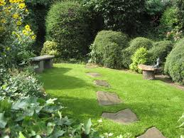 Creating the Perfect English Garden with Synthetic Grass